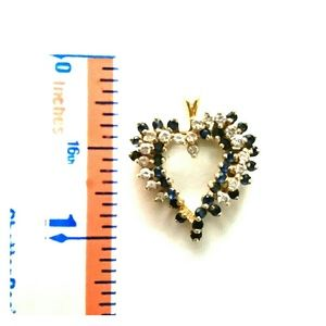 Jewelry - Gorgeous 14k gold Diamond & Sapphire heart pendent